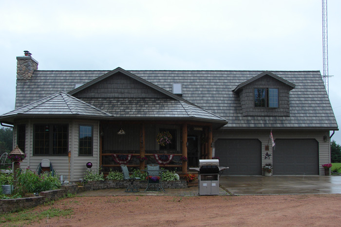 Captivating This One Story Ontario Home Features A Lovely Steel Shake Roof By Metal  Roof Outlet.